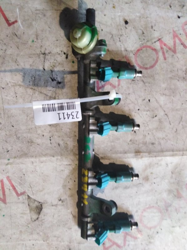 Инжектор Toyota Vitz SCP90 2SZ 2005