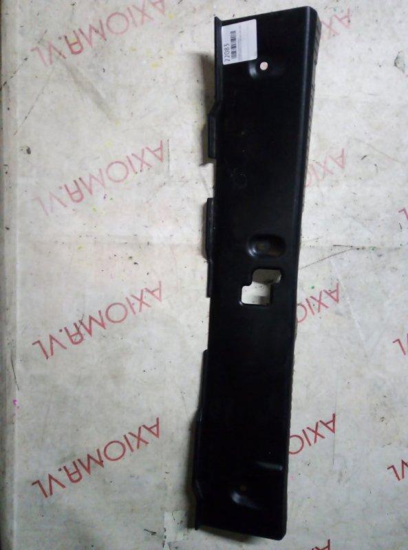 Накладка замка багажника Nissan Primera TP12 QR20DE 2001