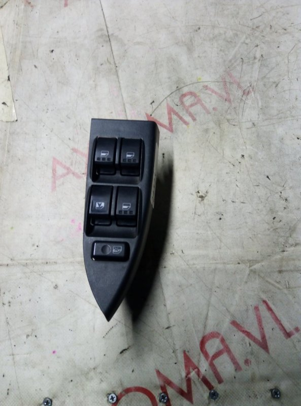Пульт стеклоподъемника Daihatsu Move Latte L550S EF 2004 передний правый