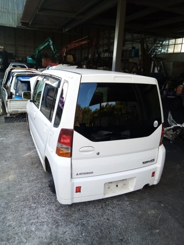 Бампер Mitsubishi Toppo Bj H42A 3G83 1998 задний