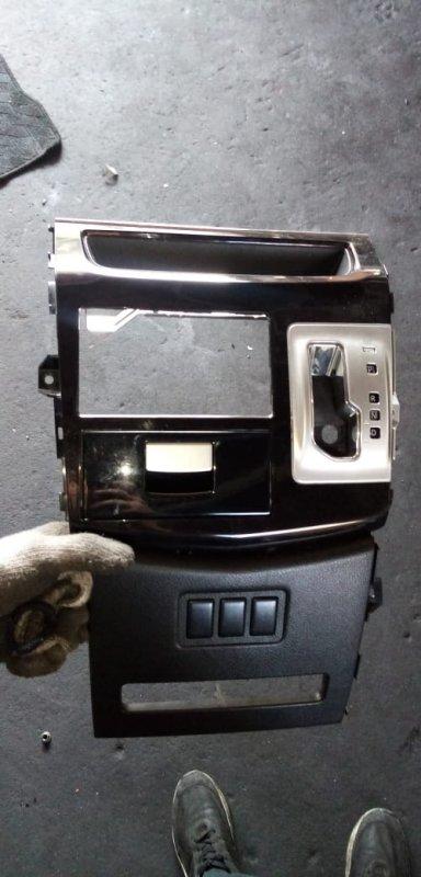 Консоль магнитофона Nissan Elgrand E52 QR25 2010