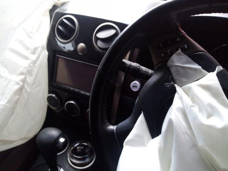 Консоль магнитофона Mazda Verisa DC5W ZY 2004