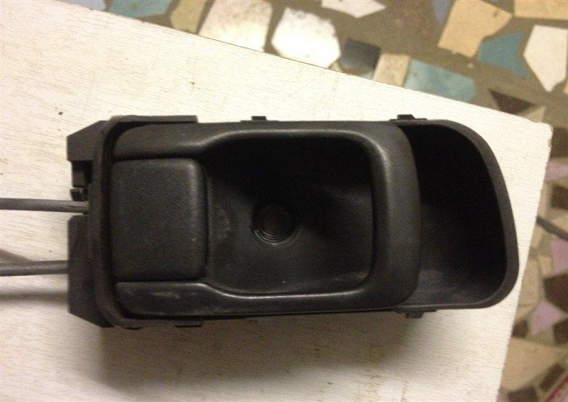 Ручка двери внутренняя Nissan Bluebird U14 передняя левая
