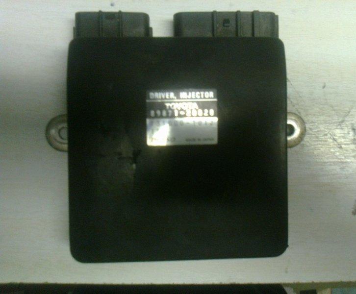 Блок управления форсунками Toyota Vista Ardeo SV50 3S-FSE