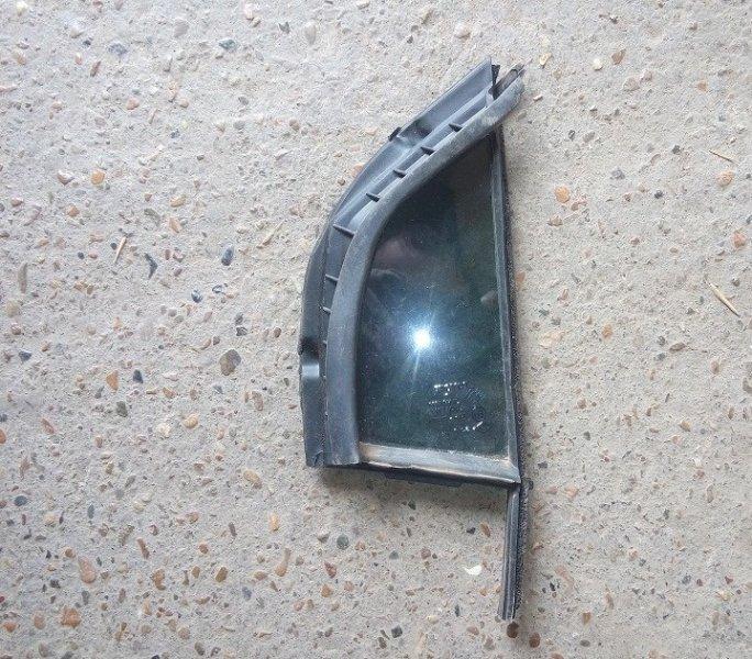Форточка двери Toyota Yaris SCP90 2SZ-FE 2008 передняя правая
