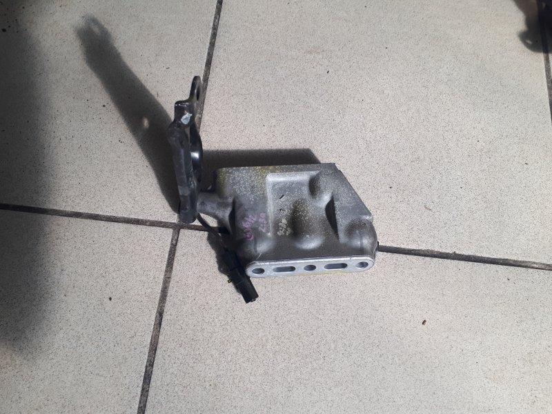 Кронштейн двигателя Toyota Estima ACR30 2AZFE