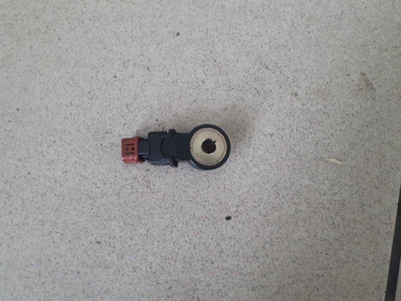 Датчик детонации Nissan Bluebird ENU13 GA15DE