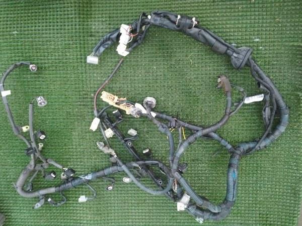 Проводка (коса) Toyota Wish ZNE10 1ZZFE 2003