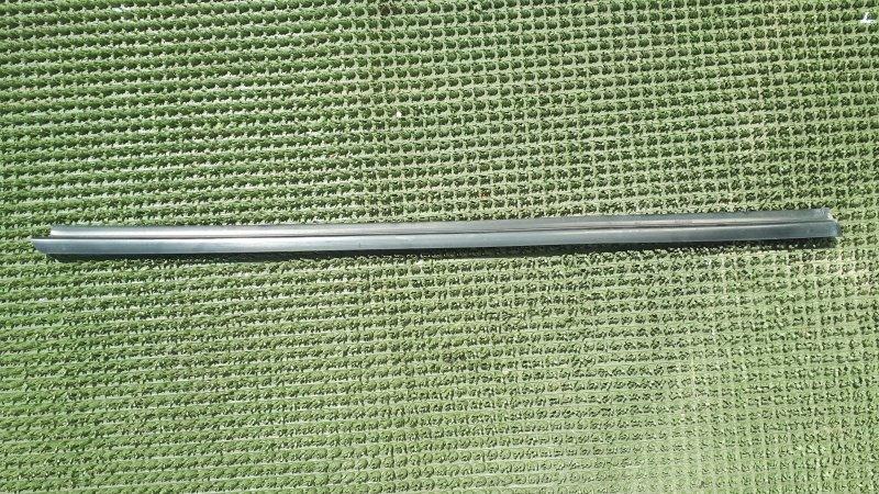 Молдинг стекла Daihatsu Terios J100G HC-EJ 1997 передний правый