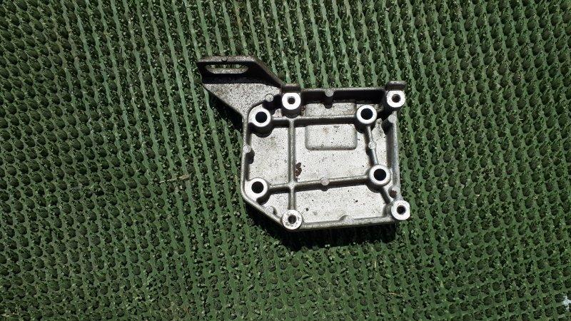 Кронштейн компрессора Mazda Capella GFER FS-DE 2002