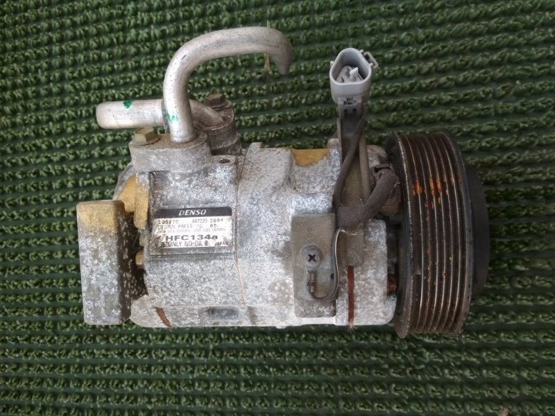 Компрессор кондиционера Toyota Estima ACR30 2AZFE 2000