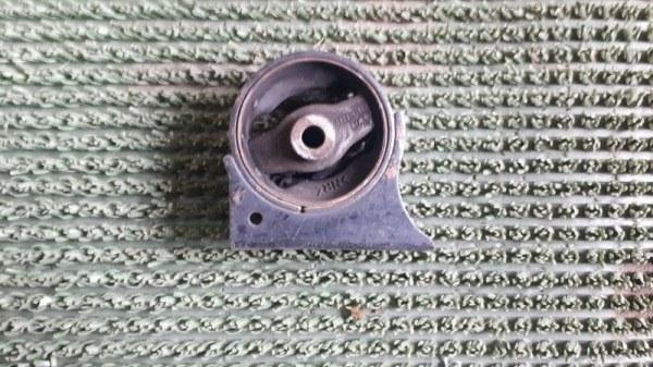Подушка двигателя Toyota Caldina ST191 1AZFSE передняя