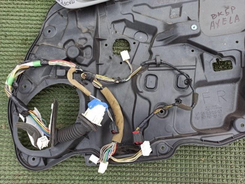 Панель стеклоподъемника Mazda Axela BK3P 2003 передний правый