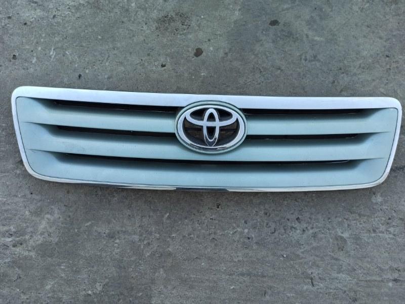 Решетка радиатора Toyota Ipsum ACM21 2AZFE 2001