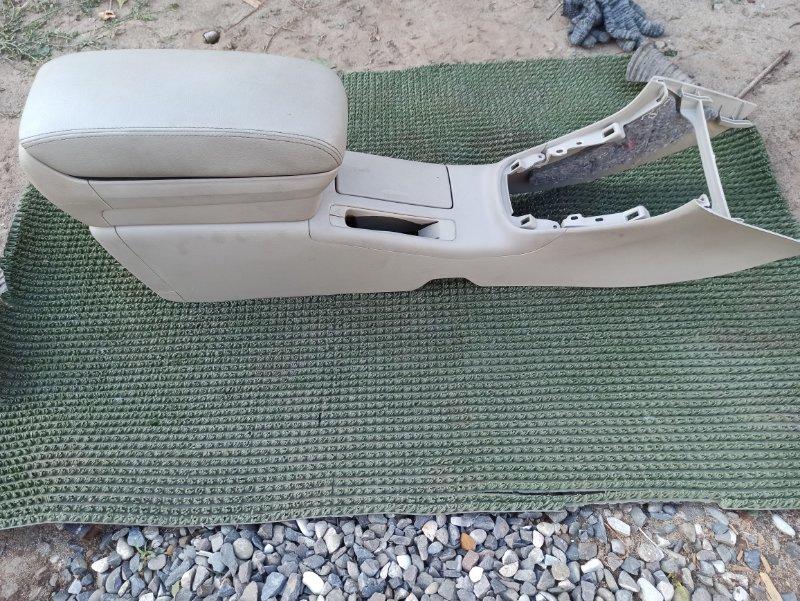 Консоль между сидений Toyota Avensis AZT251 2AZ-FSE 2007