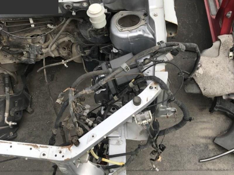 Лонжерон Mitsubishi Outlander CU5W 4G69 левый