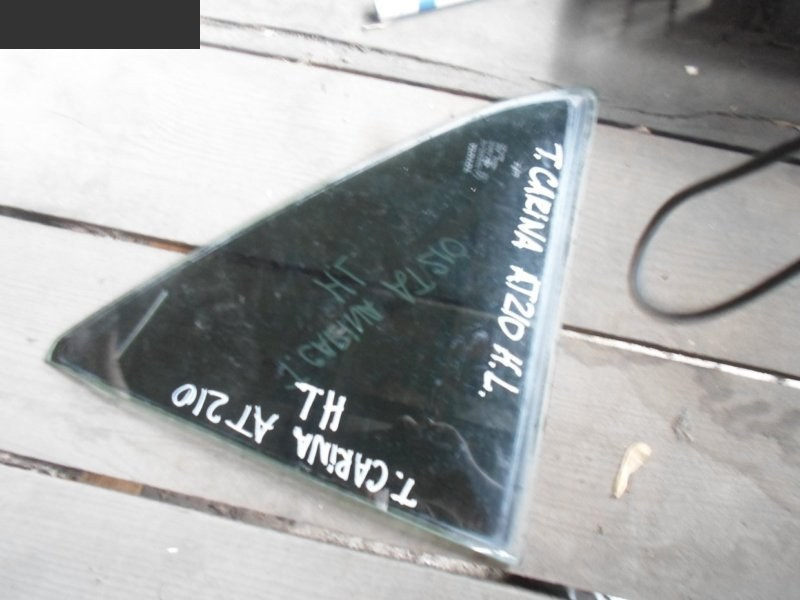 Форточка дверная Toyota Carina AT211 задняя левая