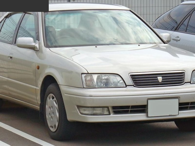 Лючок топливного бака Toyota Camry SV40 правый