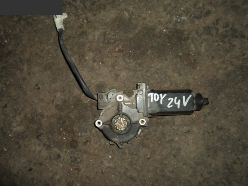 Мотор стеклоподъемника Toyota