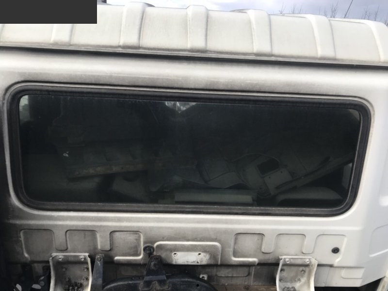 Стекло заднее Nissan MK210