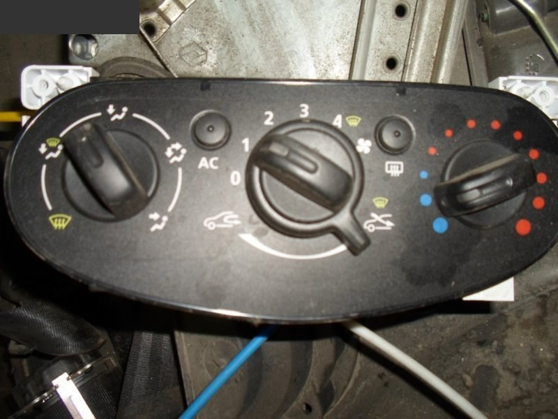 Блок управления климат-контролем Renault Sandero НЕ ОПРЕД 2013