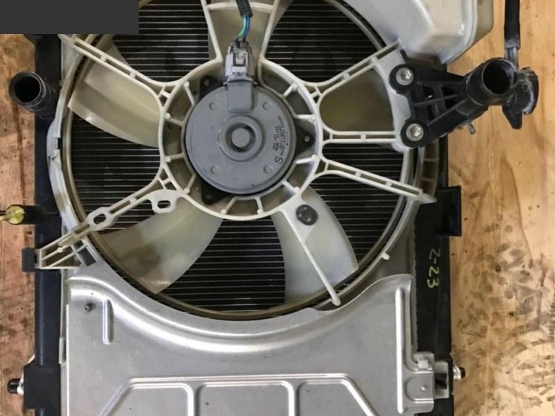 Радиатор двигателя Toyota Belta KSP92 1KR-FE