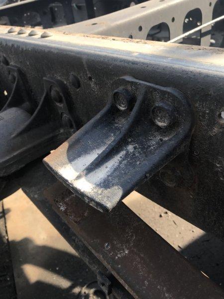 Опора рессоры Isuzu Forward FRR35 6HL1 задняя