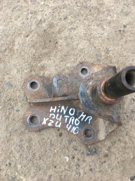 Кронштейн Hino Dutro XZU410M J05C задний правый