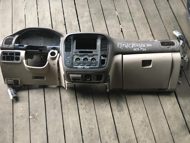 Панель передняя в салон Toyota Land Cruiser 100