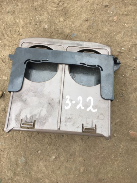Подстаканник Toyota Camry SV-41 3S-FE