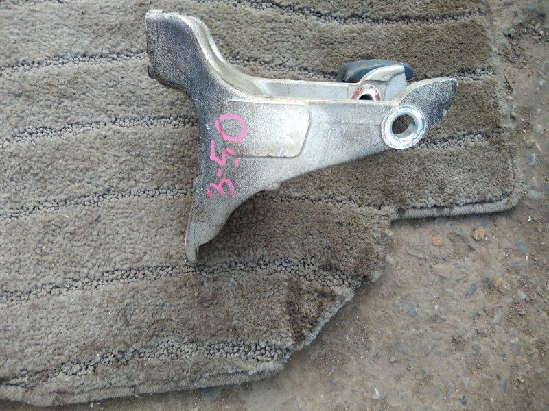 Кронштейн опоры двигателя Honda Stepwgn RG2 K20A