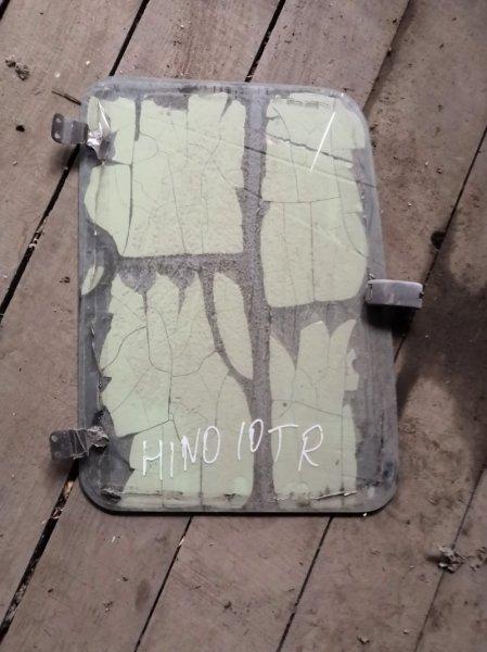 Стекло спальника Hino правое