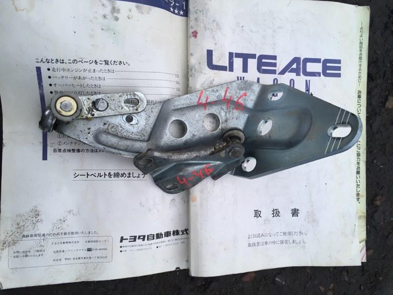 Кронштейн Toyota Liteace YR21G 3Y