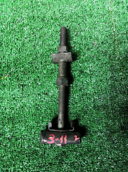 Болт торсионный Nissan Vanette SS28MN R2