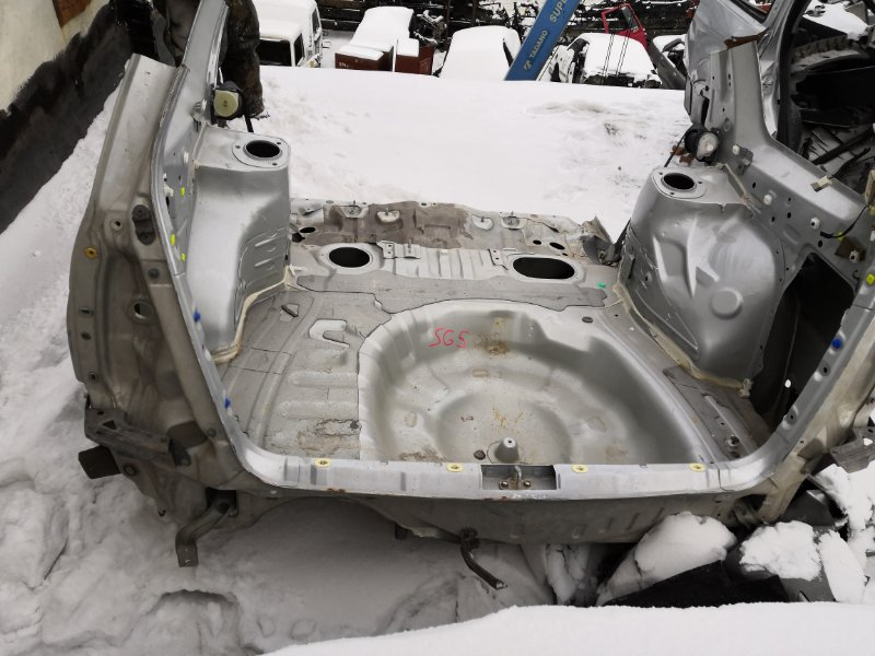 Задняя панель кузова Subaru Forester SG5