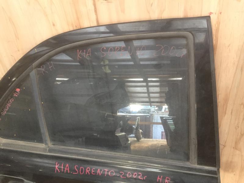 Стекло боковое Kia Sorento 2002 заднее правое