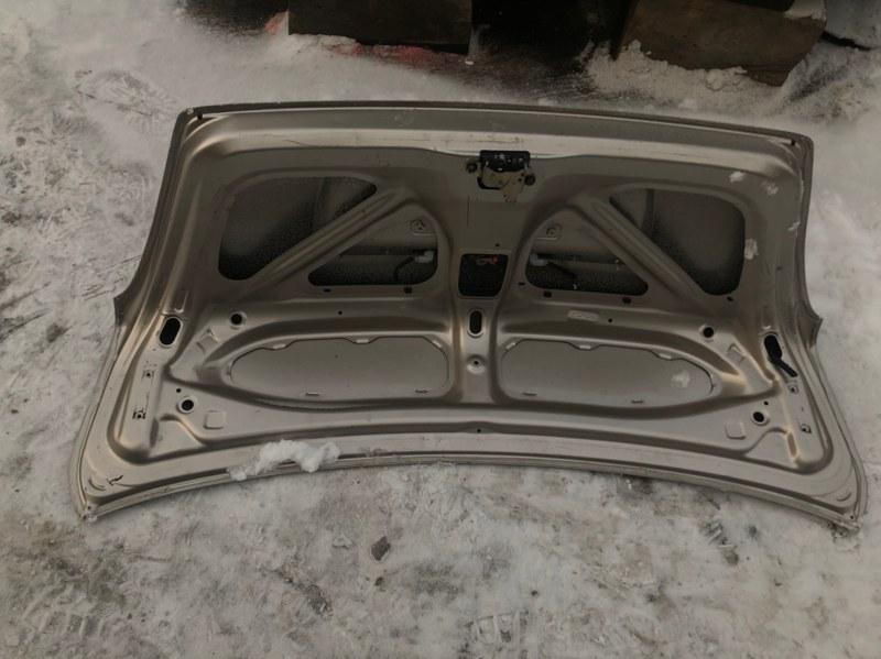 Крышка багажника Toyota Platz NCP16 2NZ-FE