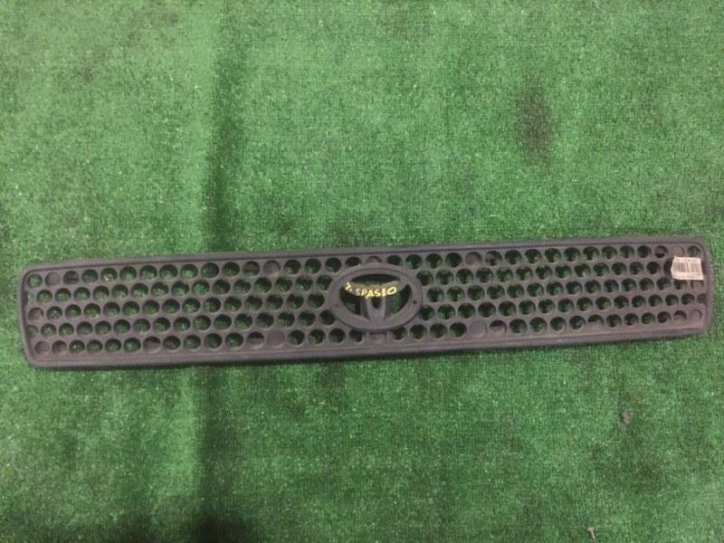 Решетка радиатора Toyota Spacio