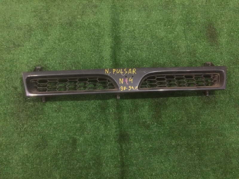 Решетка радиатора Nissan Pulsar N14