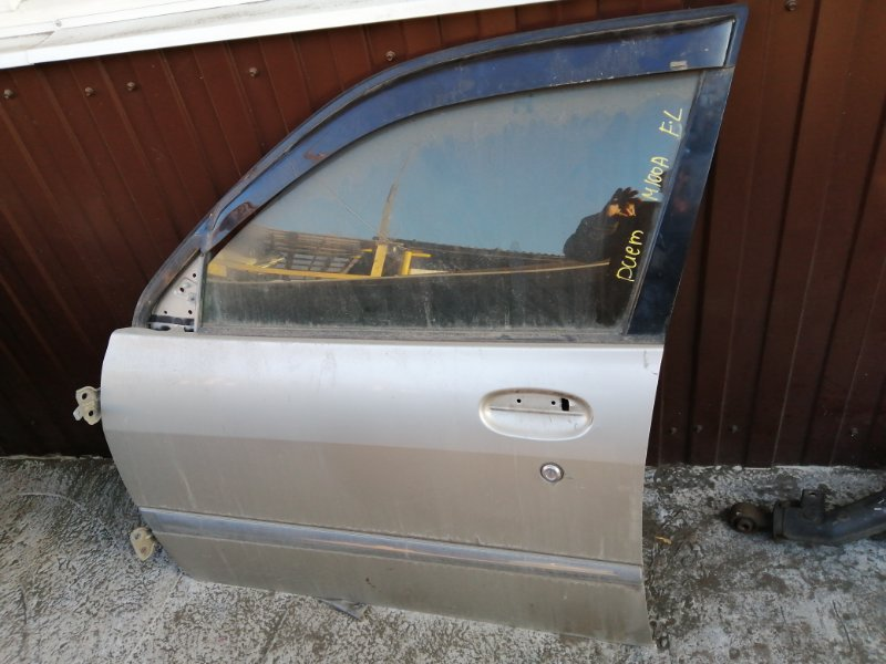 Дверь боковая Toyota Duet M100A передняя левая