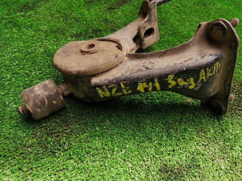 Подушка кпп Toyota NZE141