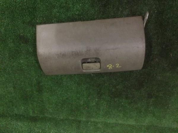 Крышка бардачка Hino Dutro XZU-414 N04C-TB