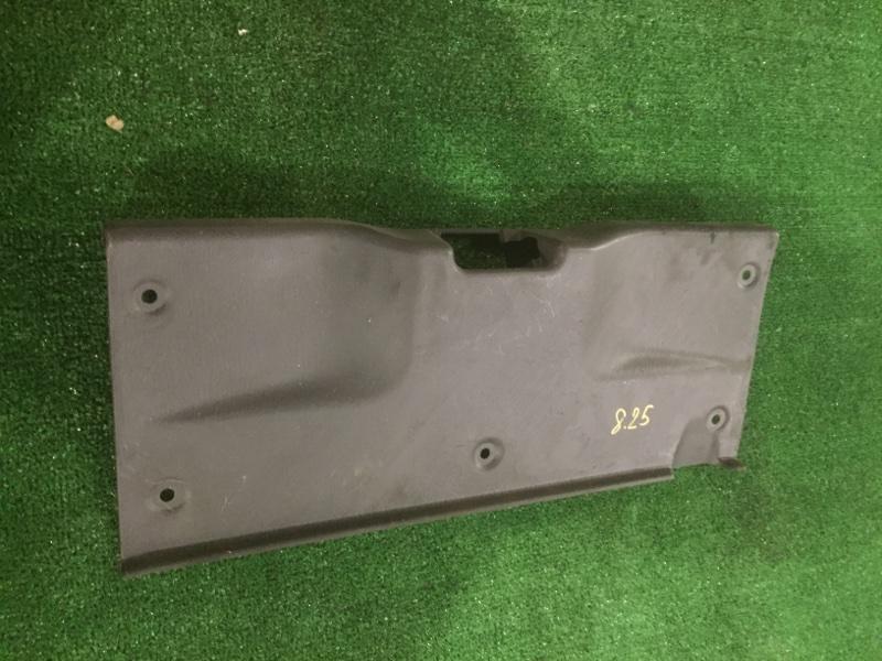 Накладка багажника Ford Festiva D23PF B3