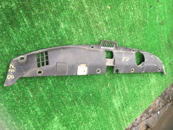 Накладка на решетку радиатора Honda Stream RN1 D17A