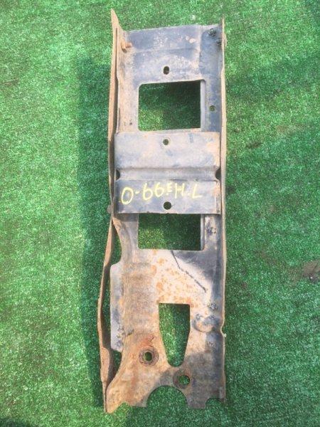 Кронштейн бампера Isuzu Elf NKR66E 4HF1 1994 задний левый