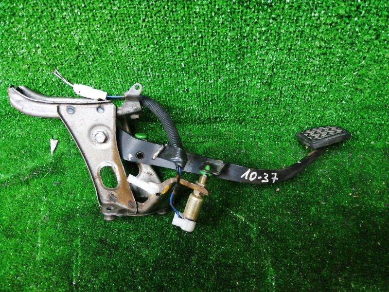 Педаль сцепления Toyota Vitz SCP10 1SZ-FE