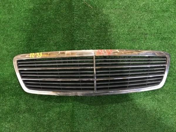 Решетка радиатора Mercedes-Benz C180 111.951 2001
