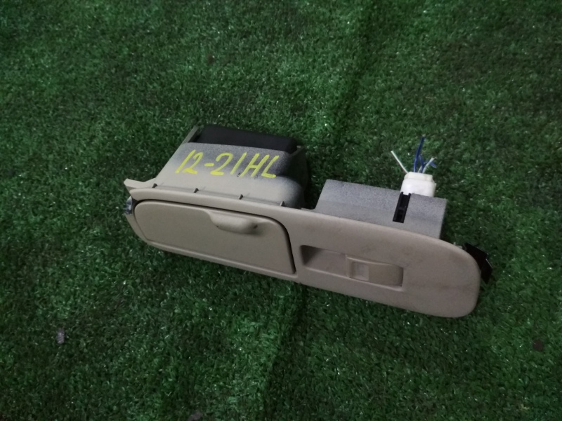 Кнопка стеклоподъемника Toyota Progres JCG10 1JZ-FSE задняя левая