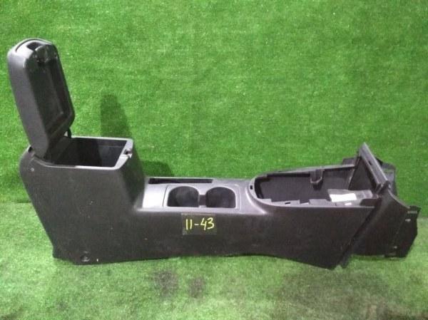 Подлокотник Nissan X-Trail NT31 MR20DE
