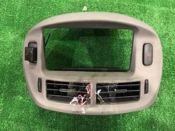 Рамка магнитофона Toyota Estima MCR40W 1MZ-FE